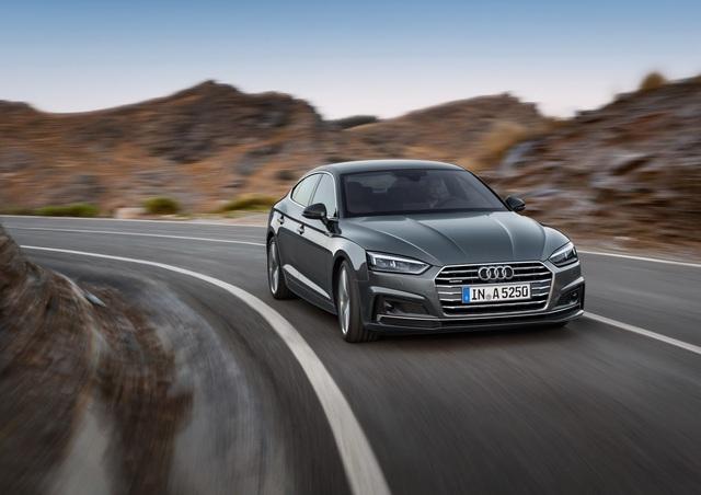 Về hệ dẫn động, Audi A5 Sportback 2017 cũng dùng chung với phiên bản coupe. Trong đó, bản trang bị tiêu chuẩn mang tên g-tron sử dụng động cơ xăng TFSI, dung tích 2.0 lít với công suất tối đa 167 mã lực và mô-men xoắn cực đại 270 Nm. Tiếp đến là 2 phiên bản khác của động cơ này nhưng có công suất tối đa 187/248 mã lực và mô-men xoắn cực đại 320/370 Nm.