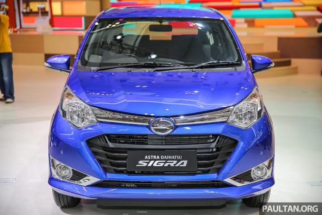 Vào hồi đầu tháng 8 vừa qua, hãng Toyota đã chính thức trình làng mẫu MPV giá rẻ Calya hoàn toàn mới. Trong sự kiện đó, nhãn hiệu con Daihatsu của Toyota cũng giới thiệu anh em song sinh của Calya mang tên Sigra. Đến nay, trong triển lãm Ô tô quốc tế Gaikindo Indonesia (GIIAS) 2016, hãng Daihatsu tiếp tục mang Sigra đến trưng bày.