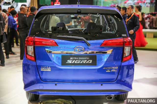 Những trang bị còn lại của Daihatsu Sigra không có gì khác so với Toyota Calya. Ví dụ như hệ thống treo thanh giằng MacPherson, phanh đĩa thông khí phía trước, phanh tang trống sau, trợ lực lái điện, vành la-zăng 14 inch và lốp 175/65.