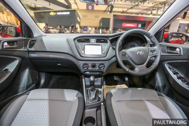 Tại thị trường châu Âu, Hyundai i20 thế hệ mới lại được trang bị các loại động cơ tăng áp với dung tích nhỏ hơn. Trong đó, có cả động cơ 3 xy-lanh, dung tích 1.0 lít, sản sinh công suất tối đa 100 mã lực và mô-men xoắn cực đại 171 Nm. Thứ hai là động cơ T-GDi với công suất tối đa 120 mã lực và mô-men xoắn cực đại 171 Nm.