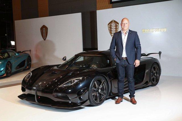Dòng siêu xe Koenigsegg Agera RSR đã chính thức ra mắt thị trường Nhật Bản trong một sự kiện được tổ chức tại khách sạn Grand Hyatt ở thủ đô Tokyo. Trong sự kiện này, đích thân ông Christian von Koenigsegg, chủ hãng siêu xe Thụy Điển, đã đến tham dự.