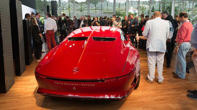 Theo hãng Mercedes-Benz, Mercedes-Maybach 6 được thiết kế theo cảm hứng từ ô tô ra đời trong thập niên 30 của thế kỷ trước như Bugatti hay Talbot-Lago thời tiền chiến. Thiết kế đậm chất cổ điển của Mercedes-Maybach 6 rõ ràng rất hợp với sự kiện như Monterey Car Week vốn thuộc khuôn khổ lễ hội Pebble Beach Concours d'Elegance.