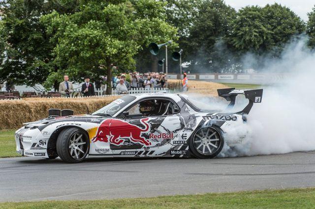 Động cơ xoay tròn nổi tiếng của Mazda từng chết yểu vì không thể đáp ứng được tiêu chuẩn khí thải khắt khe tại châu Âu. Nhưng nay, Mazda đang manh nha hồi sinh loại động cơ này khi ra mắt concept RX-Vision vừa qua.
