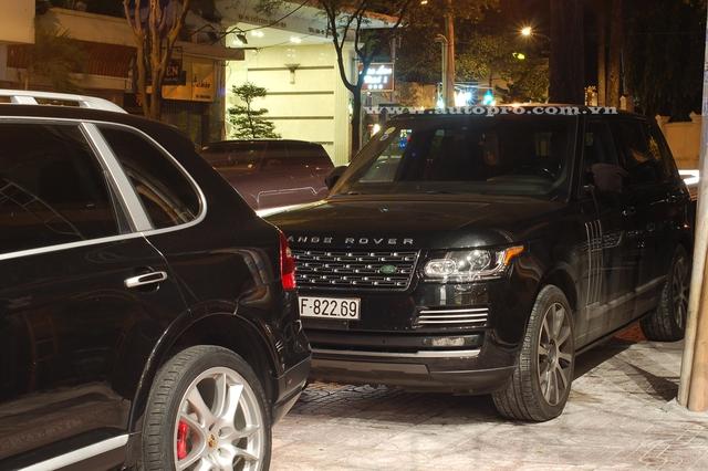 Tại thị trường Việt Nam, Range Rover Autobiography LWB có giá bán khoảng 8 tỷ Đồng.