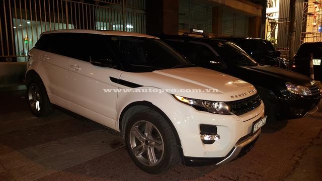 Thêm một chiếc Range Rover khác.