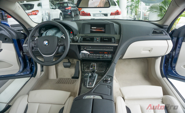 Mức giá niêm yết 3,64 tỷ Đồng của BMW 640i Gran Coupe có thể khiến nhiều người chùn tay. Tuy nhiên, khi bước vào nội thất của mẫu coupe 4+1 chỗ này, có thể hiểu vì sao BMW định giá sản phẩm cao hơn các mẫu xe cùng phân khúc.