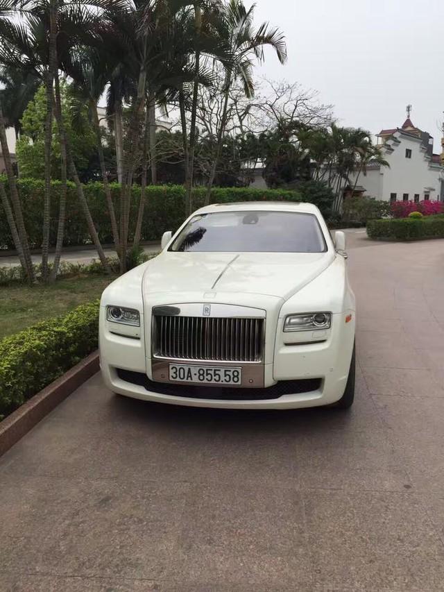 Chiếc Rolls-Royce Ghost cũng có 5 dãy số y hệt chỉ khác đầu số Hà Nội.