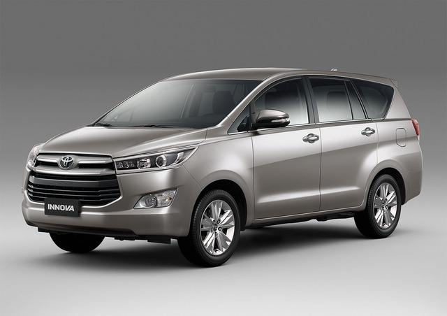 Toyota Innova 2016 vừa được ra mắt tại Việt Nam với nhièu thay đổi cả về thiết kế và tính năng.