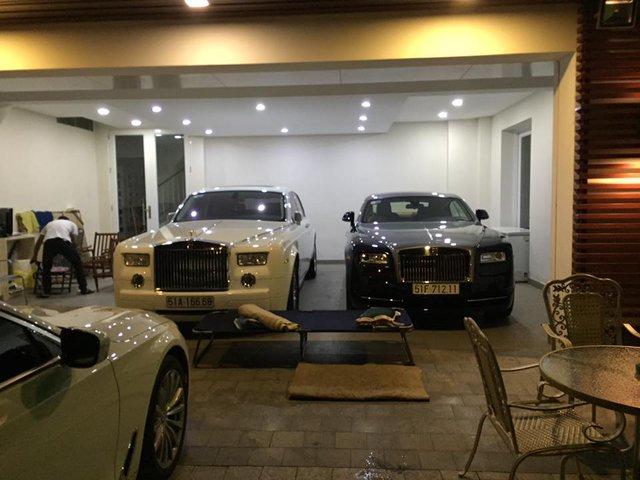 Ngoài ra, còn có sự xuất hiện của cặp đôi Rolls-Royce Phantom và Wraith ở vị trí trung tâm của garage.