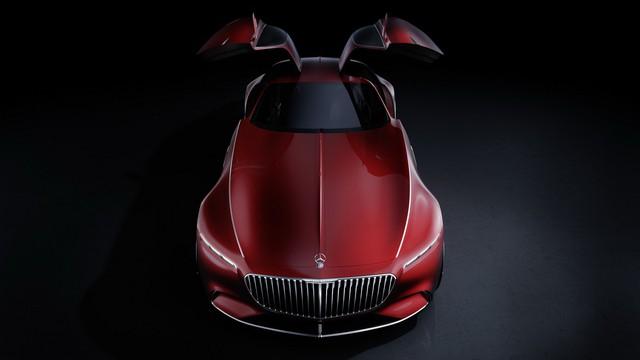 Các đường nét của Mercedes-Maybach 6 gợi nhắc tới các thiết kế còn dang dở của hãng như 2004 Maybach Excelero, Vision Grand Turismo, hay thậm chí thiết kế mang tầm nhìn tương lai IAA Concept. Điểm nhấn chính ở ngoại hình là cửa mở kiểu cánh chim. Xe sẽ dùng camera thay cho gương chiếu hậu.