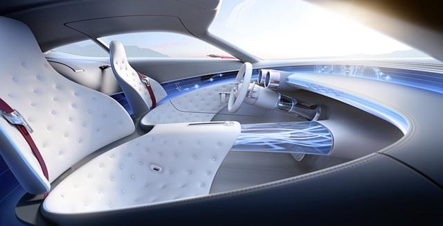 Nội thất là nơi Mercedes-Benz thể hiện sự tinh tế cùng sự nhập cuộc chơi công nghệ nóng bỏng hiện nay.