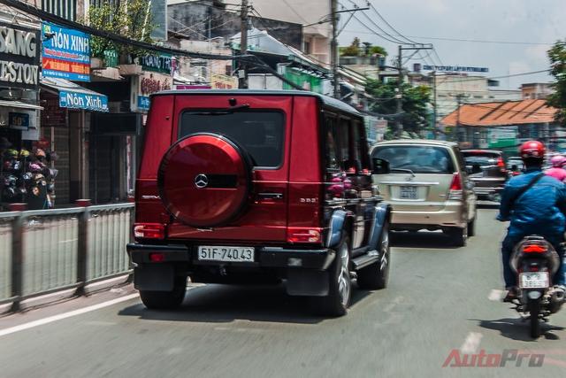 Mercedes G63 AMG dài 4.763 mm, rộng 1.855 mm, cao 1.938 mm và chiều dài cơ sở 2.850 mm. Xe sở hữu thiết kế vuông vức, hầm hố đặc trưng của dòng G-Class.