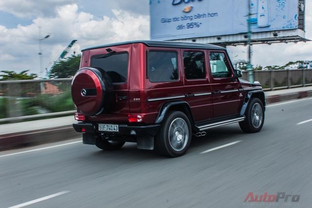Dòng xe Mercedes G63 AMG tại thị trường Việt Nam không còn xa lạ gì với các tay chơi Việt, trong đó, những biển tứ hay ngũ quý thường được ưu ái xuất hiện trên ông vua địa hình thế hệ mới.