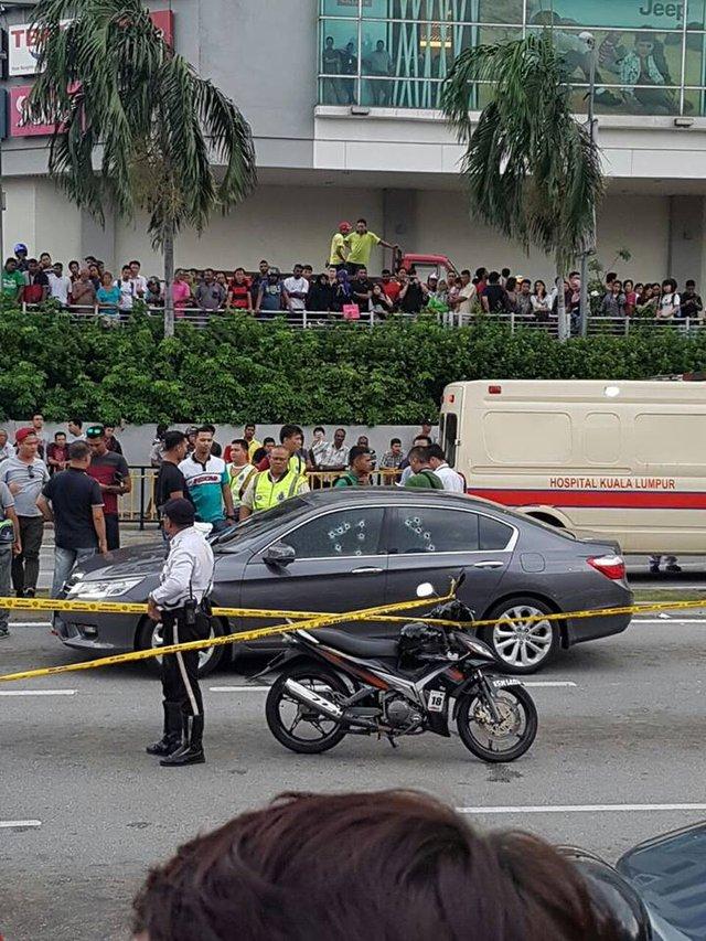 Cảnh sát phong tỏa hiện trường vụ tai nạn.