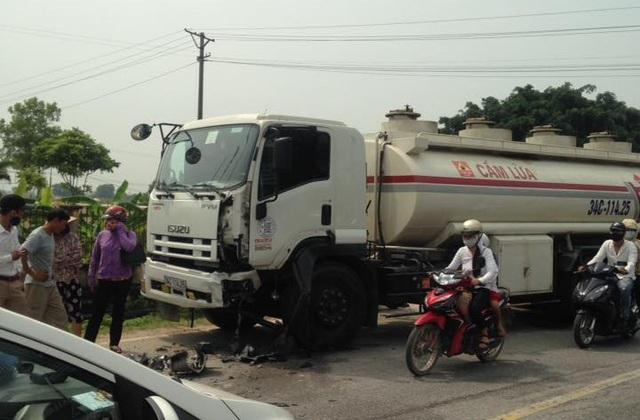 Chiếc xe bồn trong vụ va chạm kinh hoàng tại quốc lộ 37, Hải Dương.