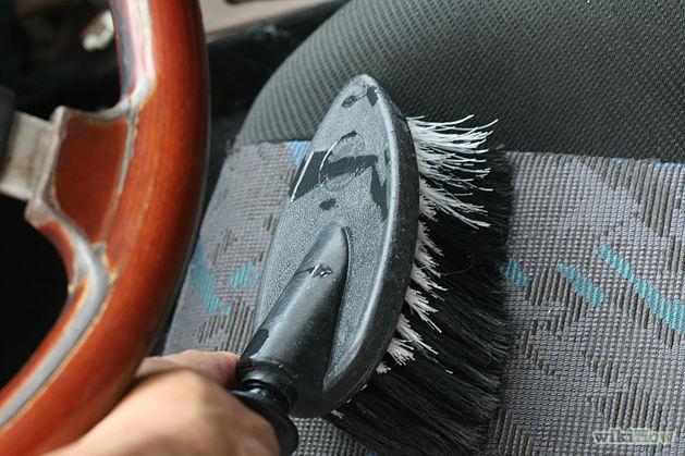 Mẹo hay tự tay khử mùi cho xe thật dễ 4