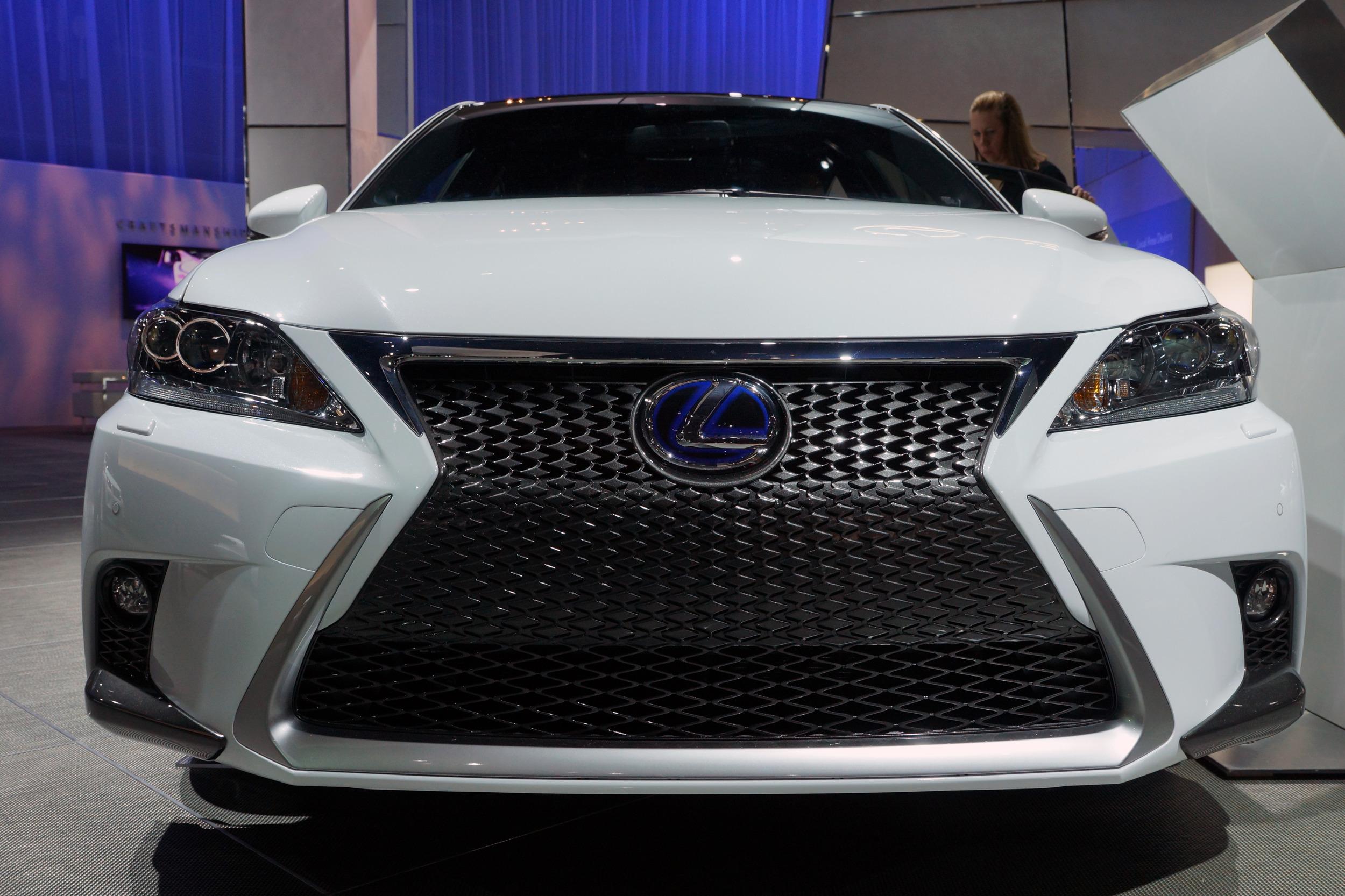Lexus CT 200h 2014 chính thức ra mắt 1