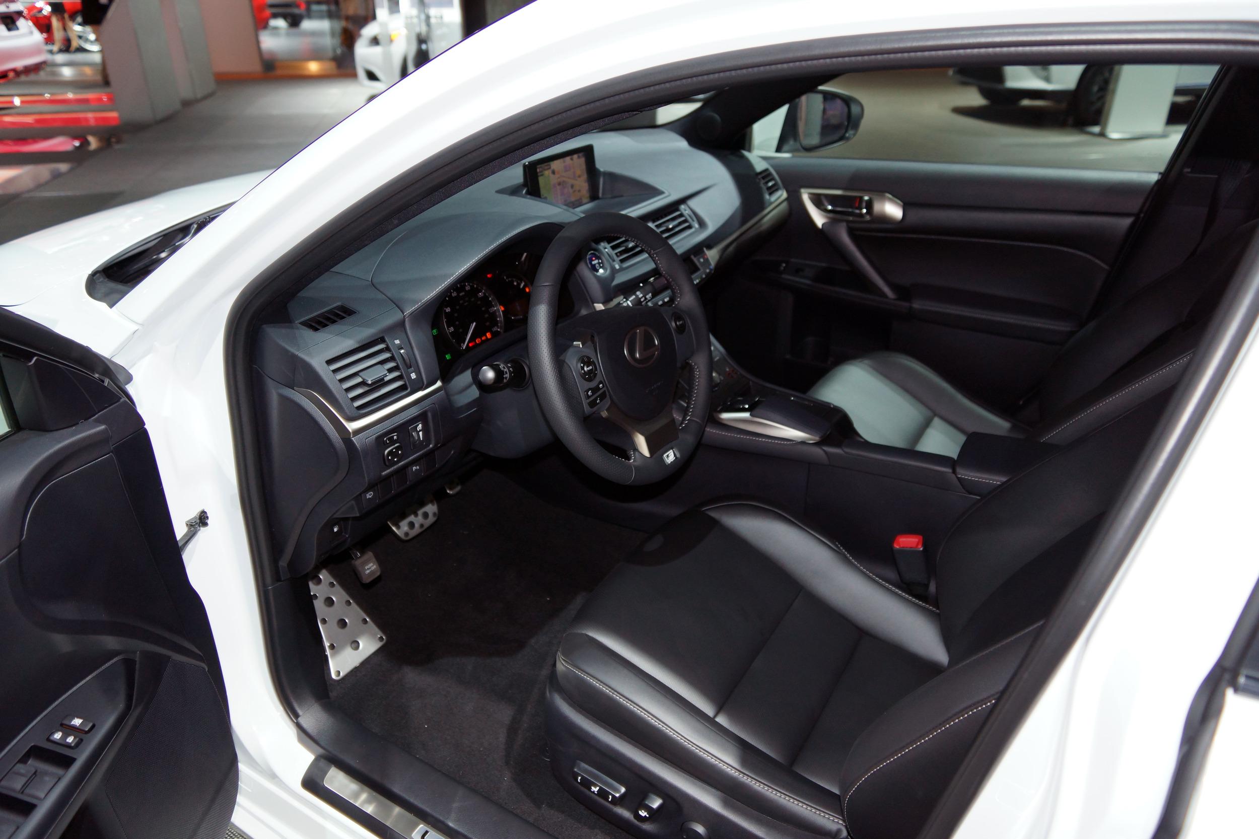 Lexus CT 200h 2014 chính thức ra mắt 2