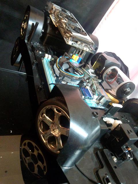 """Case máy tính """"đội lốt"""" siêu xe Lamborghini Gallardo cực chất 5"""