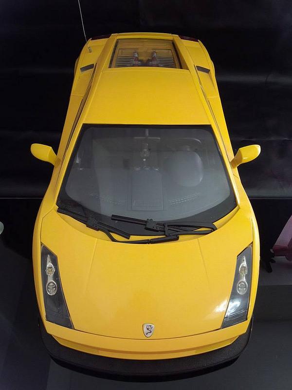 """Case máy tính """"đội lốt"""" siêu xe Lamborghini Gallardo cực chất 2"""
