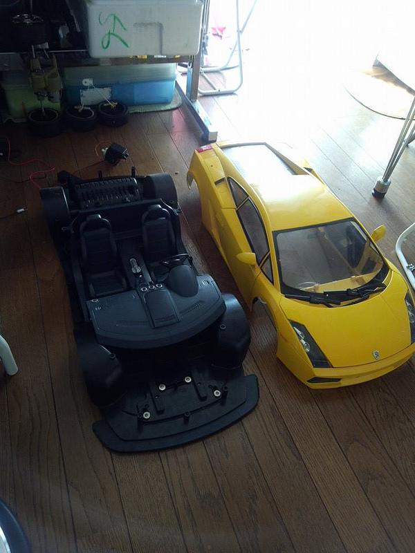 """Case máy tính """"đội lốt"""" siêu xe Lamborghini Gallardo cực chất 3"""