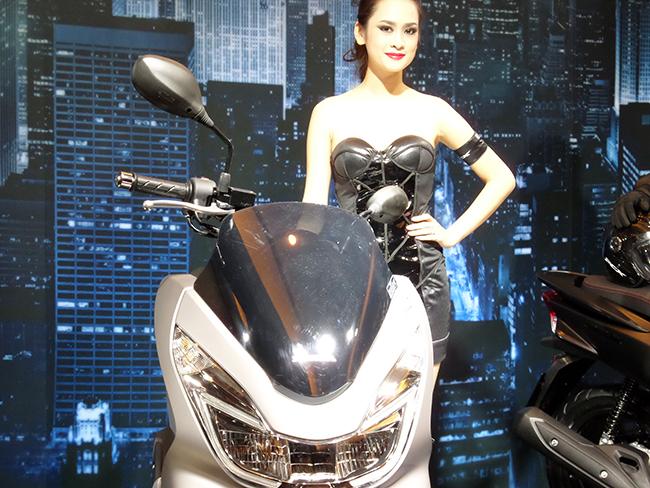 Honda bất ngờ ra mắt PCX 125 phiên bản cao cấp: Thiết kế mới, full LED 7