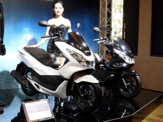 Honda bất ngờ ra mắt PCX 125 phiên bản cao cấp: Thiết kế mới, full LED 4