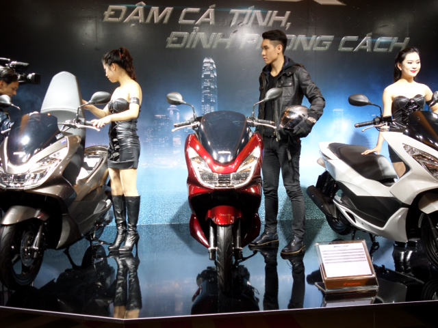 Honda bất ngờ ra mắt PCX 125 phiên bản cao cấp: Thiết kế mới, full LED 3