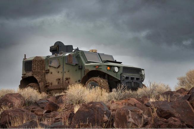 Quân đội Mỹ thử nghiệm xe hybrid thay thế HUMVEE 1