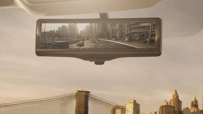 Nissan giới thiệu gương chiếu hậu thông minh trên Rogue 2014 1