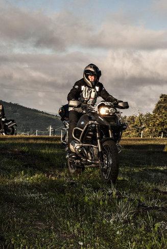 Thăm quan trường đào tạo lái xe BMW Motorrad 6