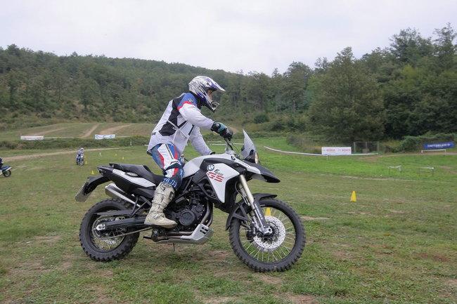 Thăm quan trường đào tạo lái xe BMW Motorrad 5