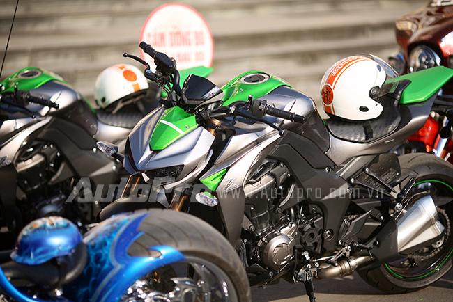 """Kawasaki Z1000 và dàn môtô khủng """"rồng rắn"""" đi rước dâu 3"""