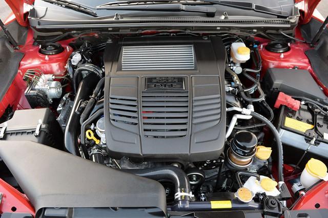Động cơ Boxer 4 xi-lanh, tăng áp, DOHC, dung tích 2.0 lít của Subaru WRX
