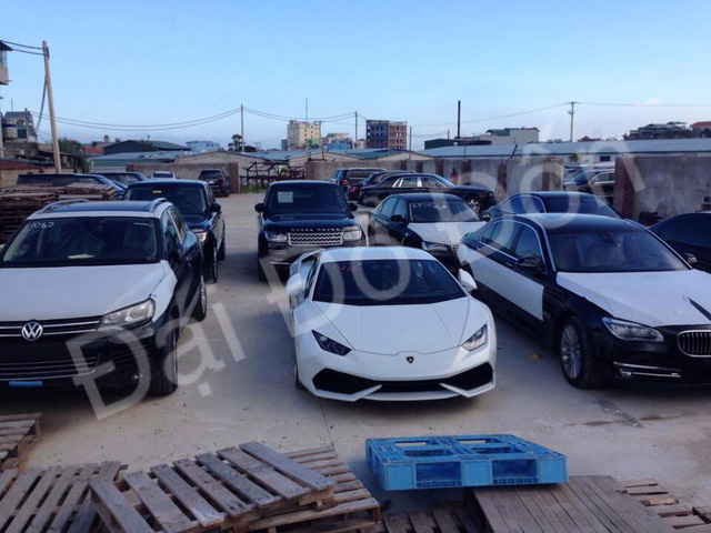 Siêu xe Lamborghini Huracan LP610-4 thứ ba xuất hiện tại Việt Nam.