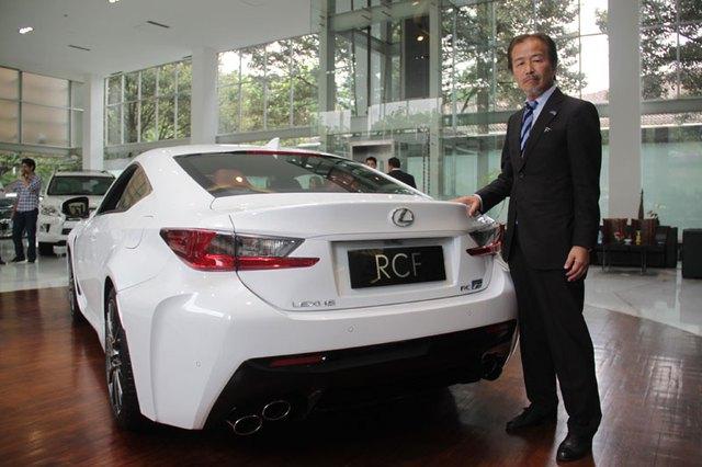 Lexus RC F tại Indonesia.