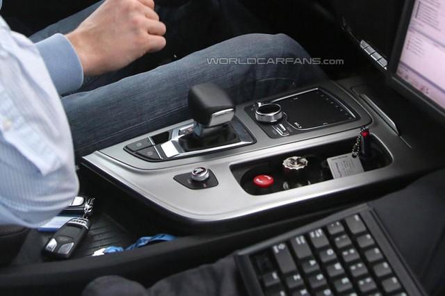 """Hình ảnh """"chụp trộm"""" nội thất của Audi Q7 thế hệ mới."""