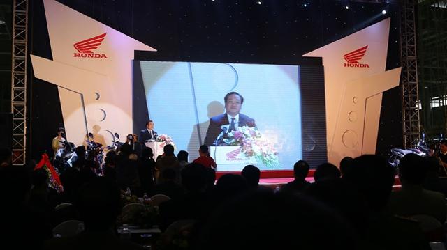 Lễ khánh thành nhà máy sản xuất xe máy thứ 3 của Honda Việt Nam có sự xuất hiện của Phó Thủ tướng Hoàng Trung Hải.