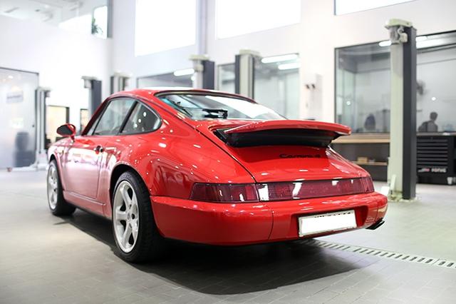 Thiết kế đậm chất cổ điển của Porsche 911 Carrera 4.
