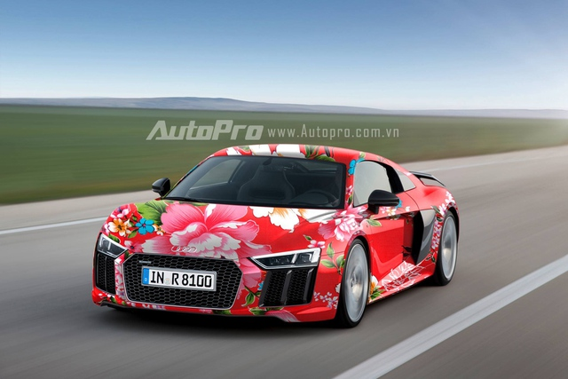 """Audi R8 """"chăn con công"""" trên đường thử."""