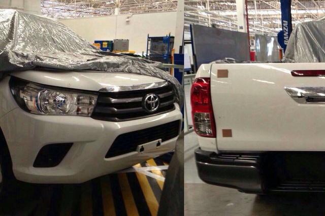 Hình ảnh rò rỉ của Toyota Hilux 2016.