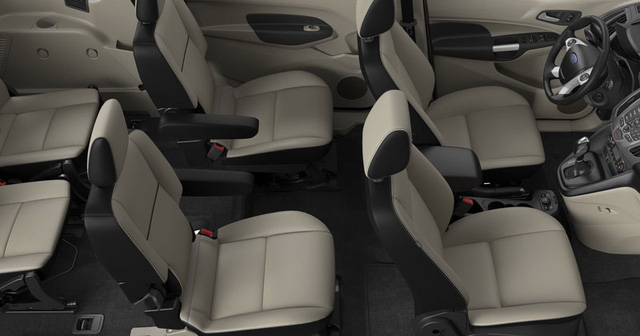 Nội thất của Ford Transit Connect 2016
