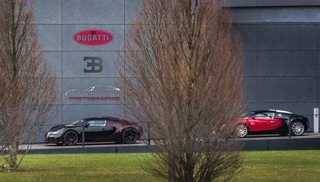 Chiếc xe được cho là Veyron cuối cùng xuất xưởng chạy thử tại khu vực gần đại bản doanh của hãng Bugatti.