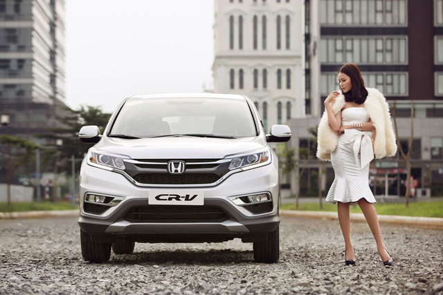 Ngoại thất được tinh chỉnh, mang lại hình ảnh thể thao và hiện đại hơn cho Honda CR-V.