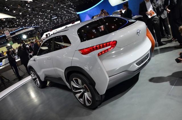 Hyundai Intrado Concept trong triển lãm Geneva 2014.