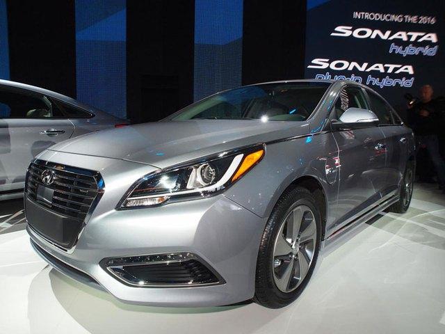 Hyundai Sonata Plug-in Hybrid tại triển lãm Detroit 2015.