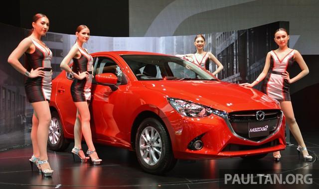 Mazda2 thế hệ mới phiên bản máy xăng ra mắt tại triển lãm Bangkok 2015.