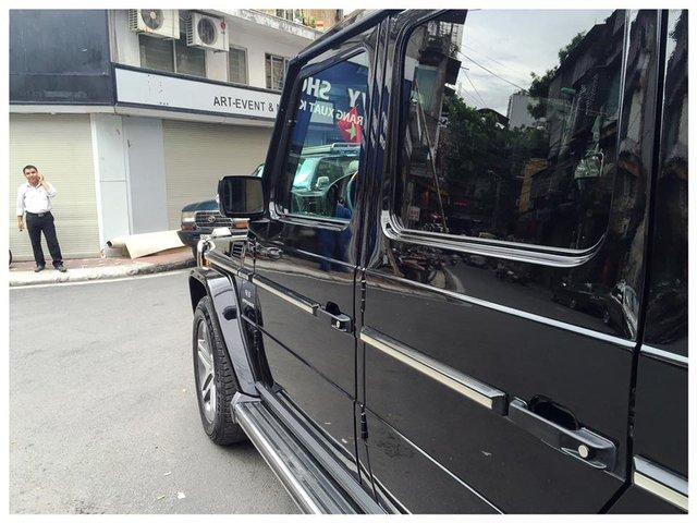 Những chi tiết vuông thành, sắc cạnh là đặc trưng không lẫn vào đâu của Mercedes-Benz G55 AMG. Ảnh: Lê Hoàng Nam