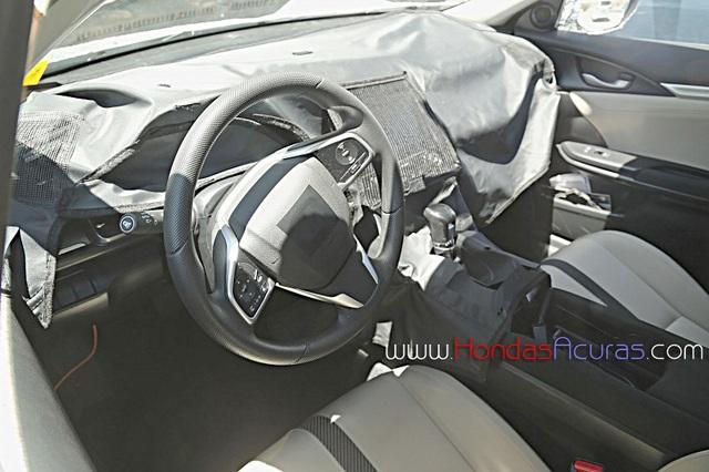 Hình ảnh nội thất của Honda Civic 2016 trên đường thử.