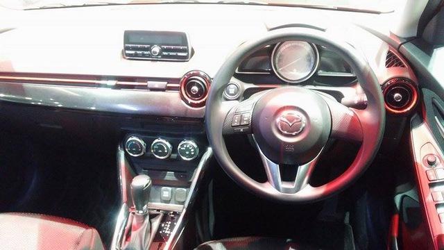 Nội thất của Mazda2 1.3 SkyActiv-G 2015 bản High